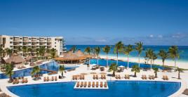 Dreams Resorts Pools