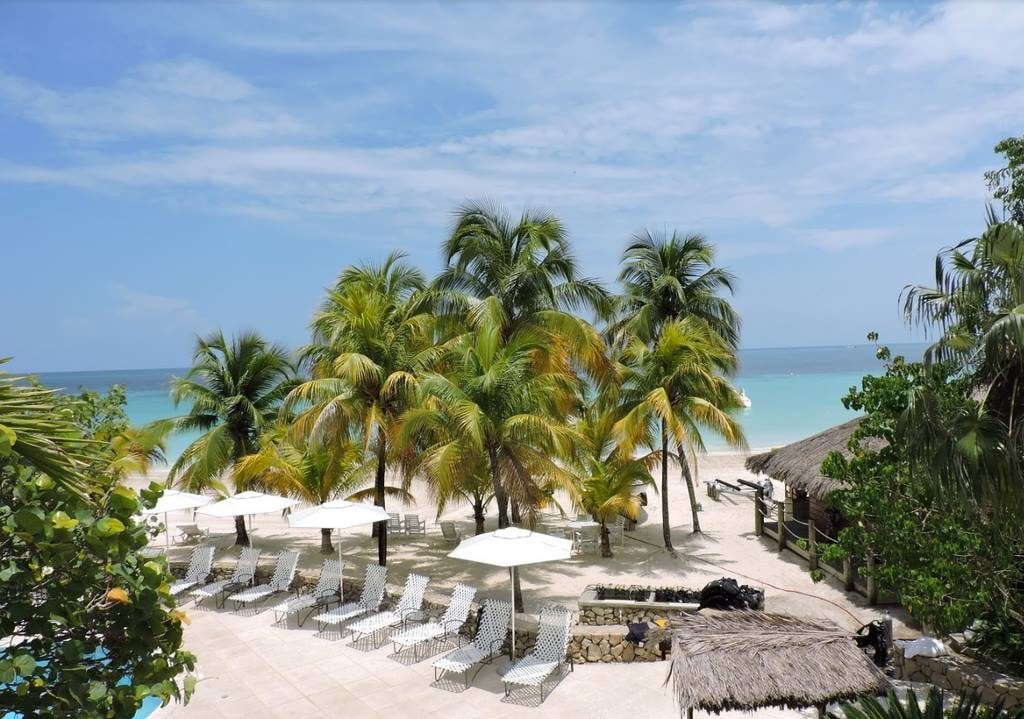 Our favorite resort beaches enchanted honeymoons for Funnest all inclusive resorts
