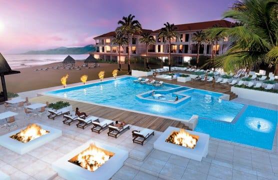 Sandals Grenada pool
